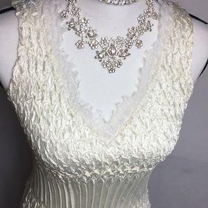 Komarov Ivory Chiffon Sleeveless lace Tank top
